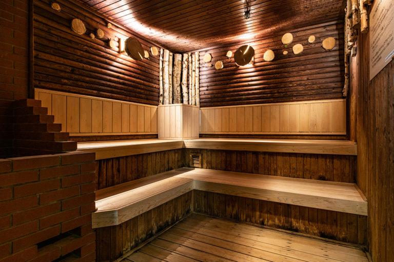 〈CABIN帯広〉地下の広い空間で温泉も露天風呂もぜいたくに